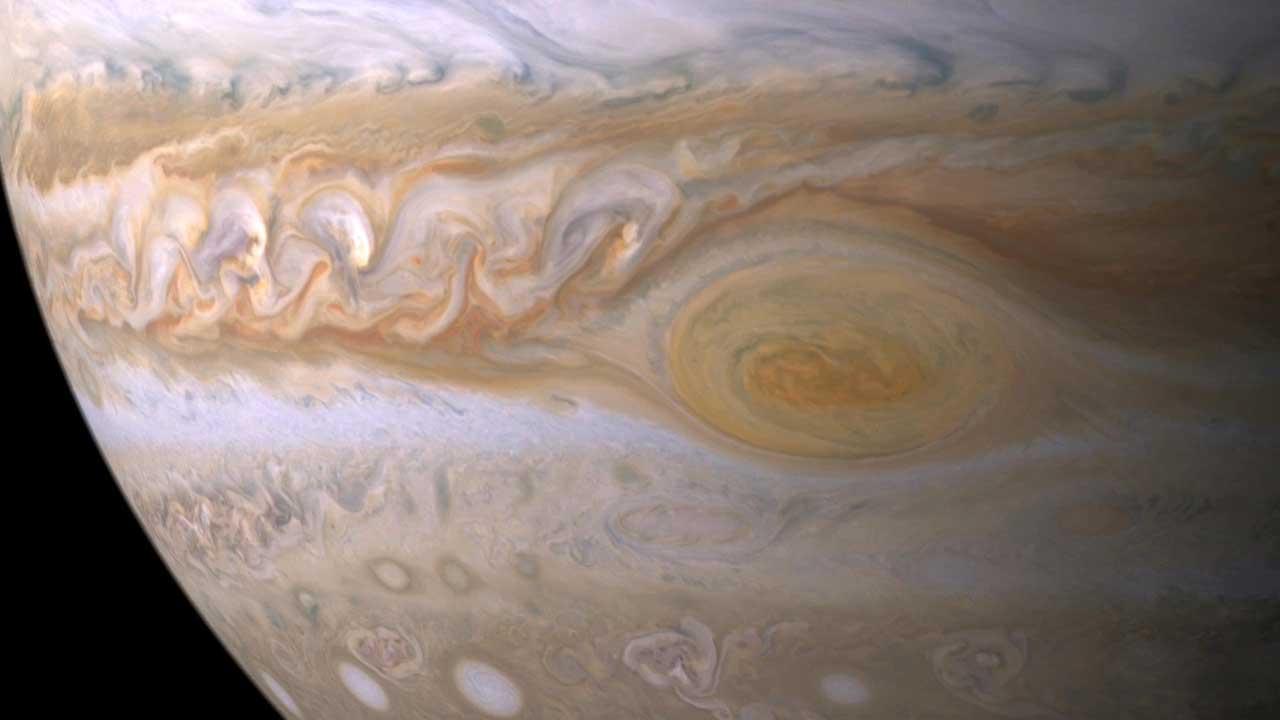 Большое красное пятно Юпитера