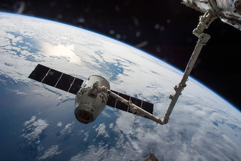 Корабль SpaceX Dragon 2 к МКС