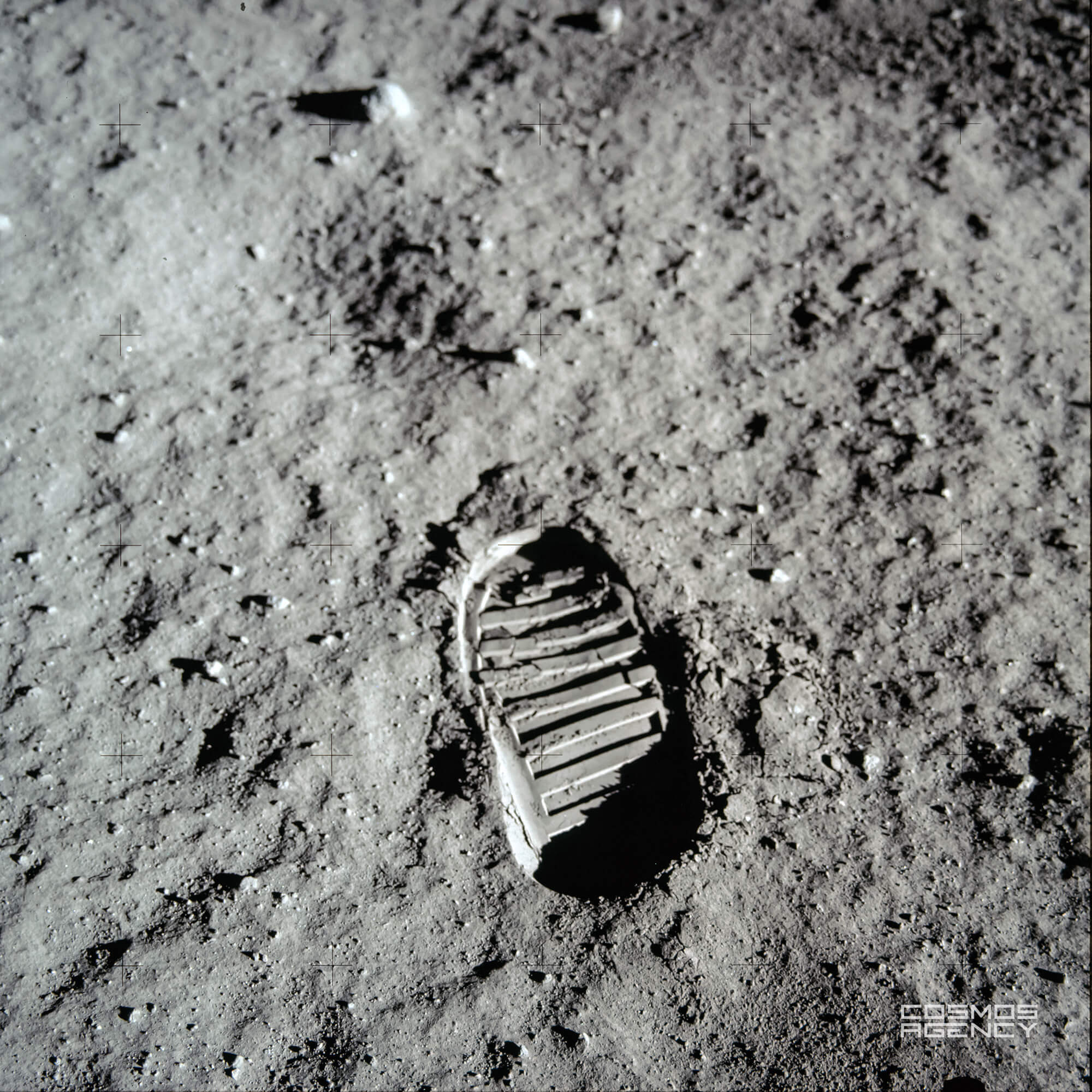 Знаменитый отпечаток на лунном грунте астронавта NASA Базза Олдрина, Аполлон 11